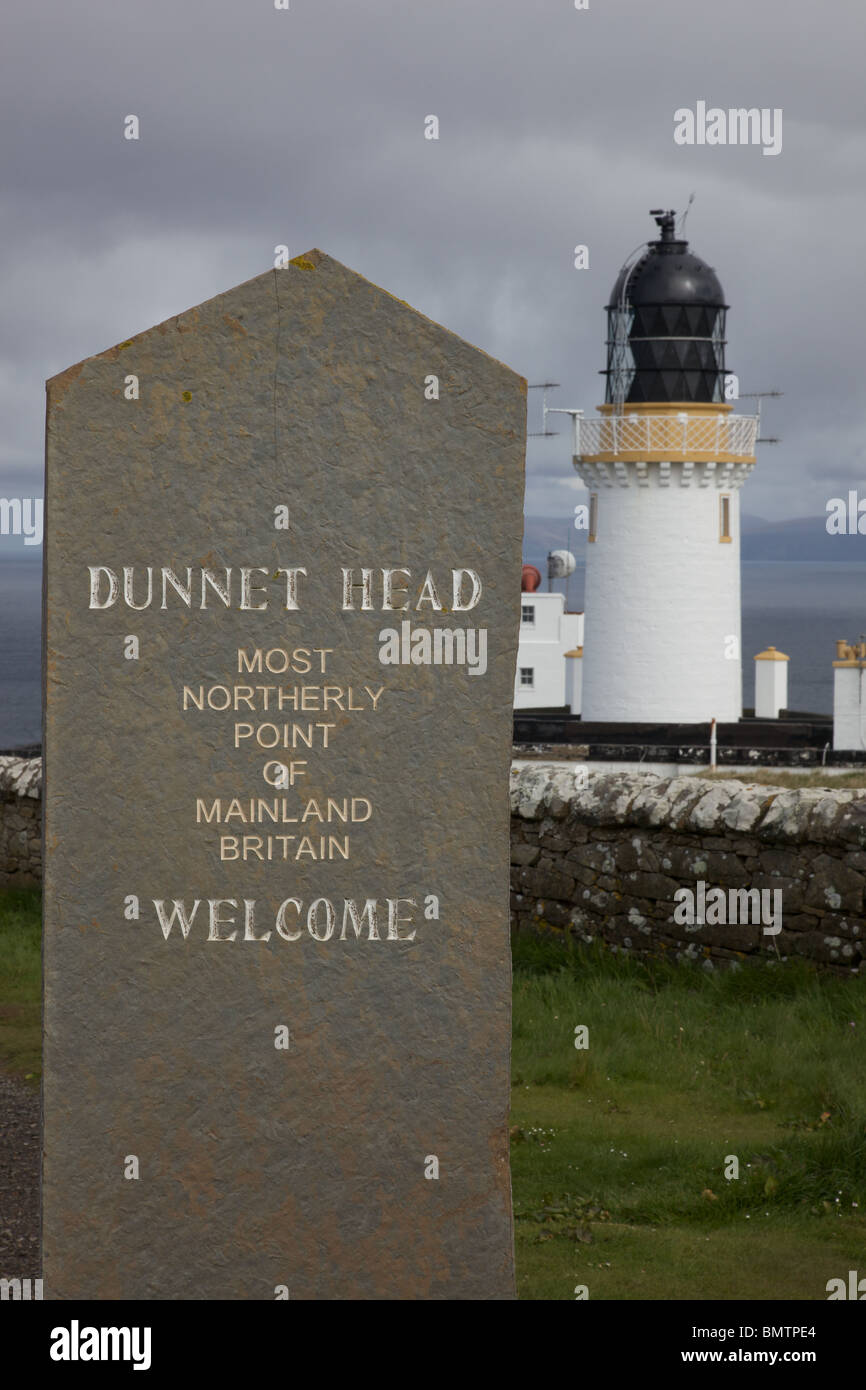 Dunnet Head, North Scotland, UK sign and lighthouse Stock Photo ...