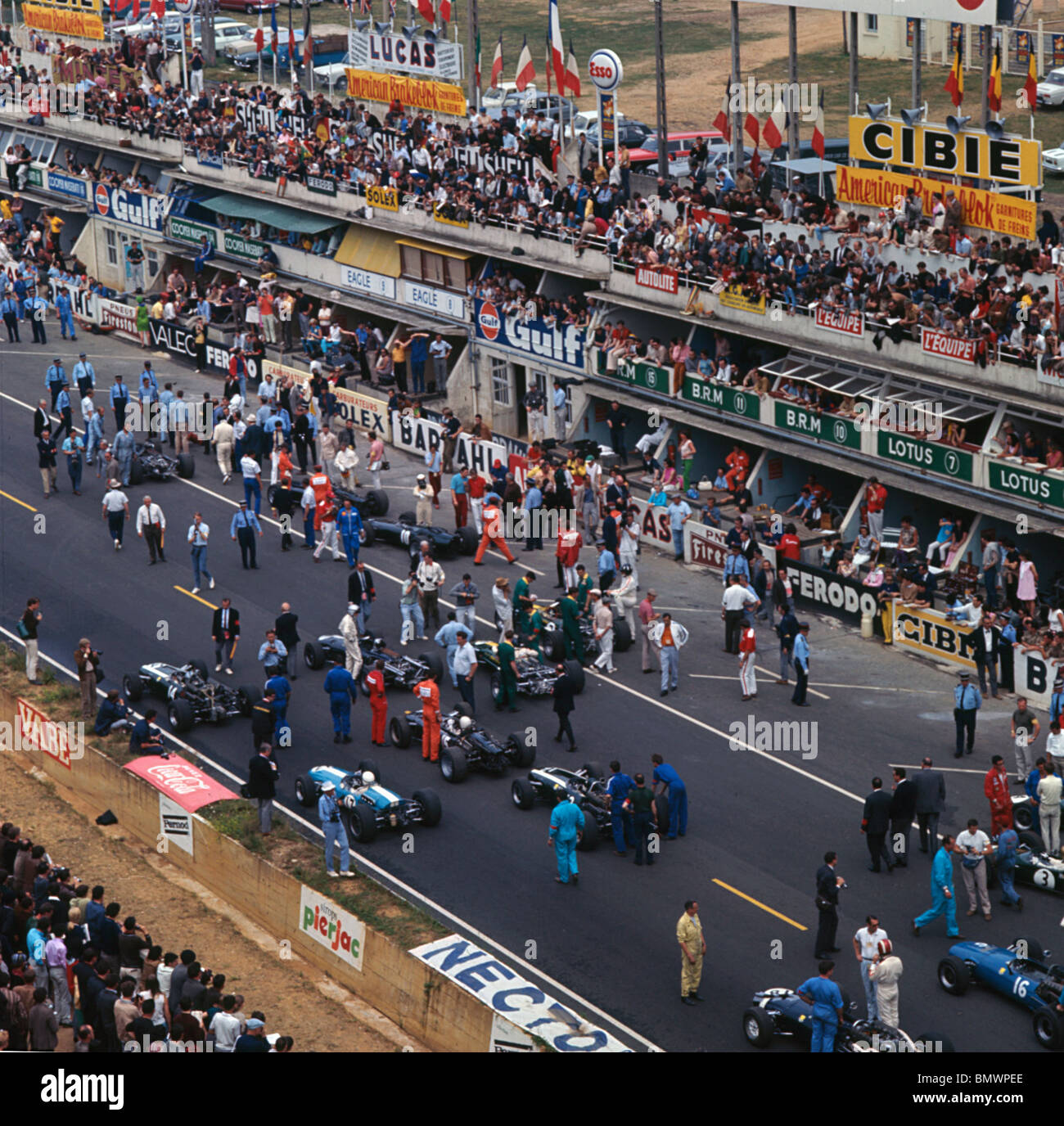 starting grid for the 1967 french grand prix at the. Black Bedroom Furniture Sets. Home Design Ideas