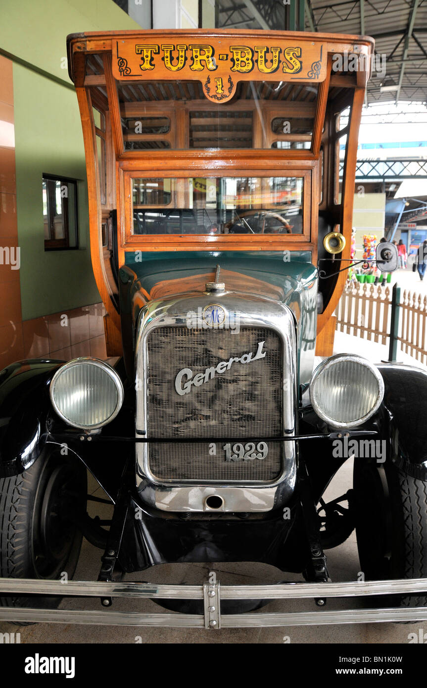Old bus general motors truck 1929 estacion central santiago chile