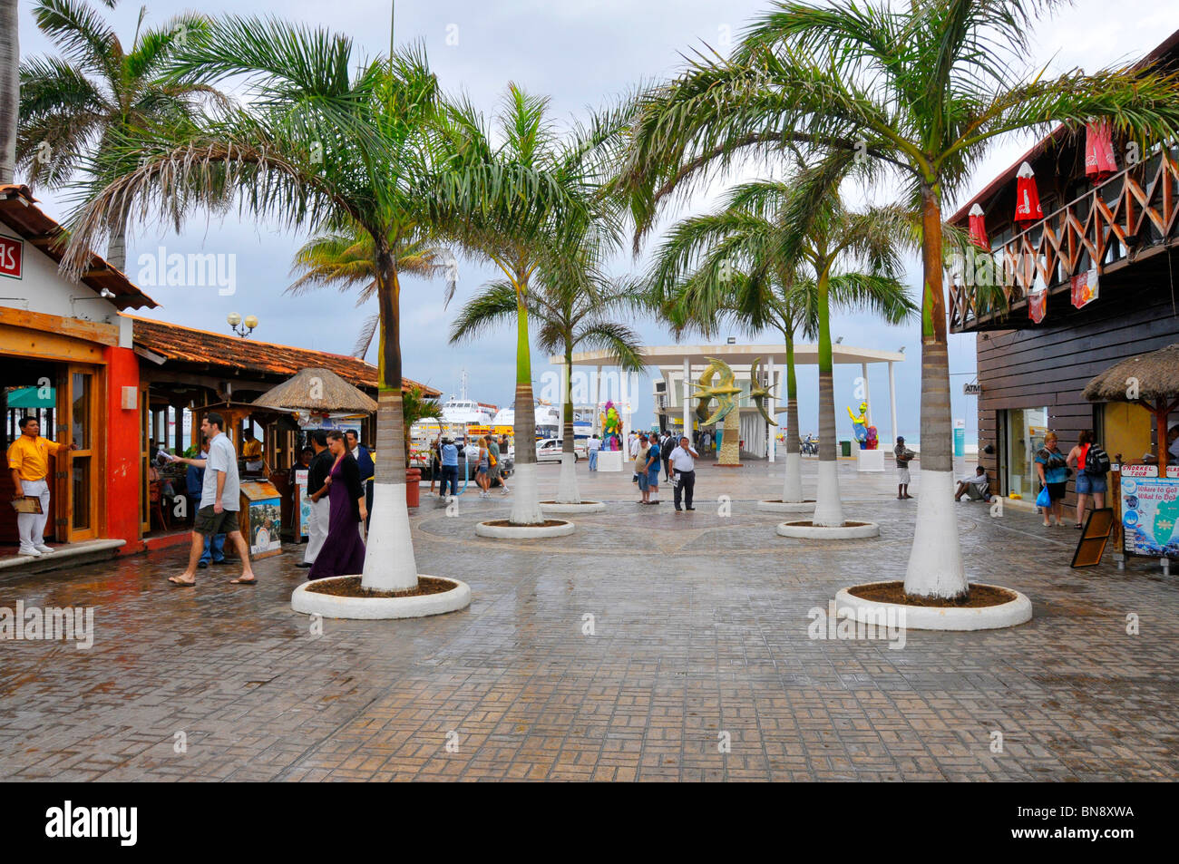 Shopping area near caribbean cruise ship in cozumel mexico for Nearby boutiques
