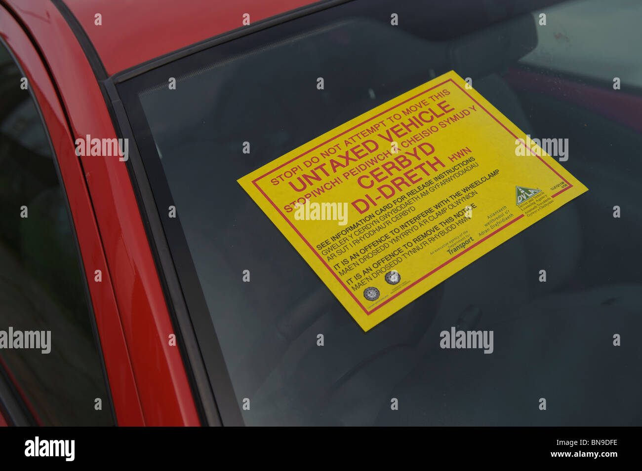 Warning Sticker On The Window Of A Car With No Road Tax Clamped By - Window stickers for cars uk