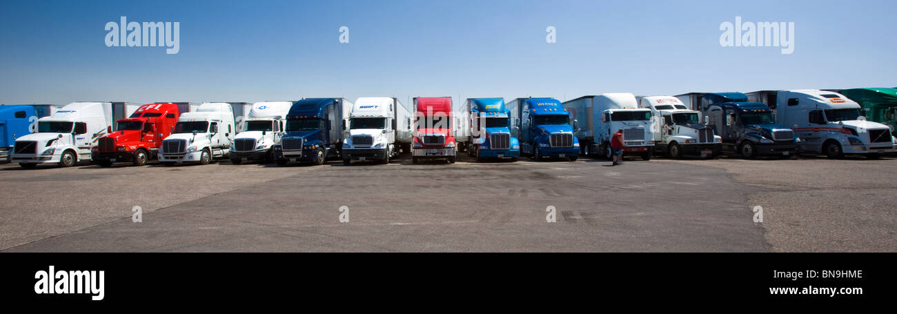 Over The Road Tractors : Over the road tractor trailer rigs parked at a travel