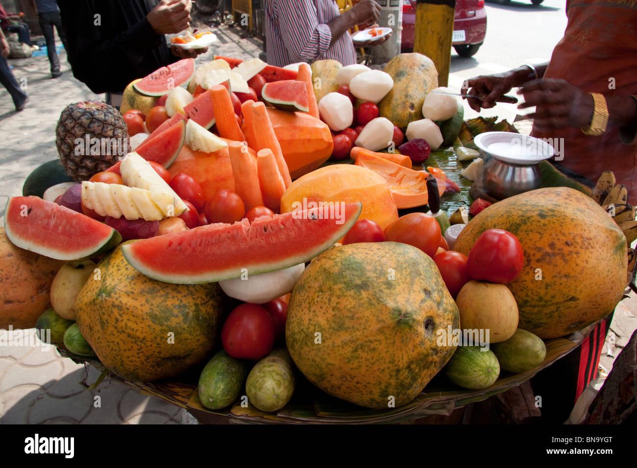 Fruit platter kiosk at 'BBD Bagh' in Kolkata (Calcutta ...
