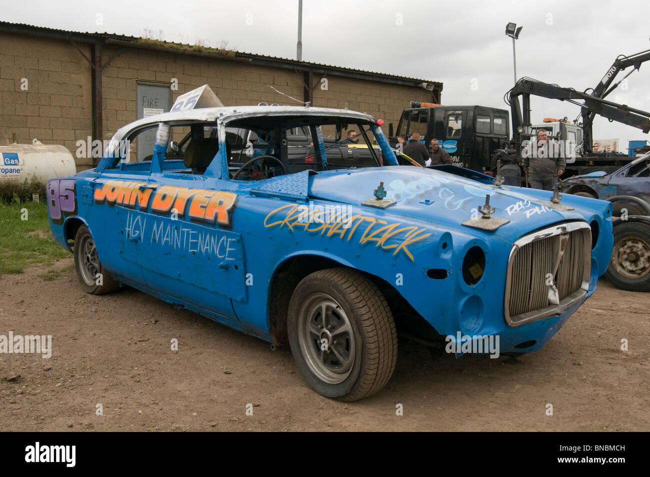 Rover P5 Classic Car Pits Pits In The At Banger Racing