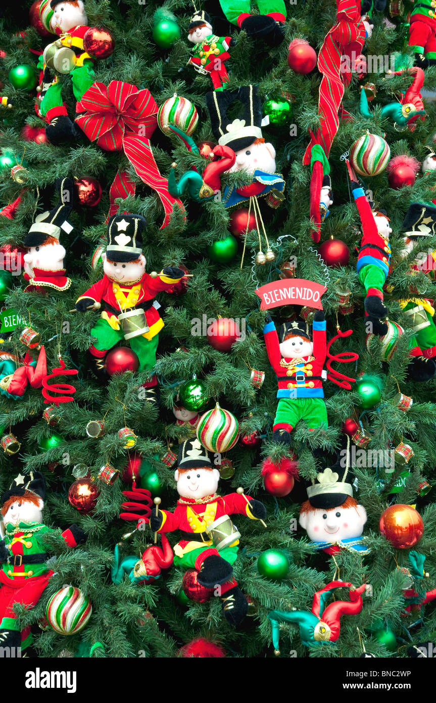 Peruvian christmas ornaments - Christmas Tree Decorations At The Larcomar Mall In Miraflores Lima Peru South America