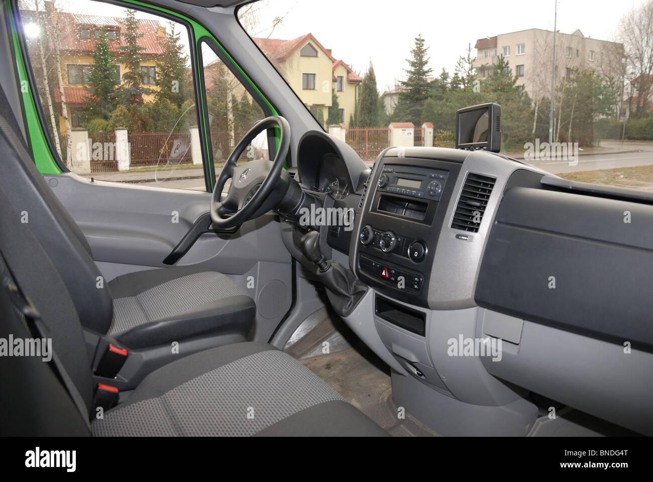 Mercedes benz sprinter 260 cdi van green l3h2 german mcv van interior cabin dashboard