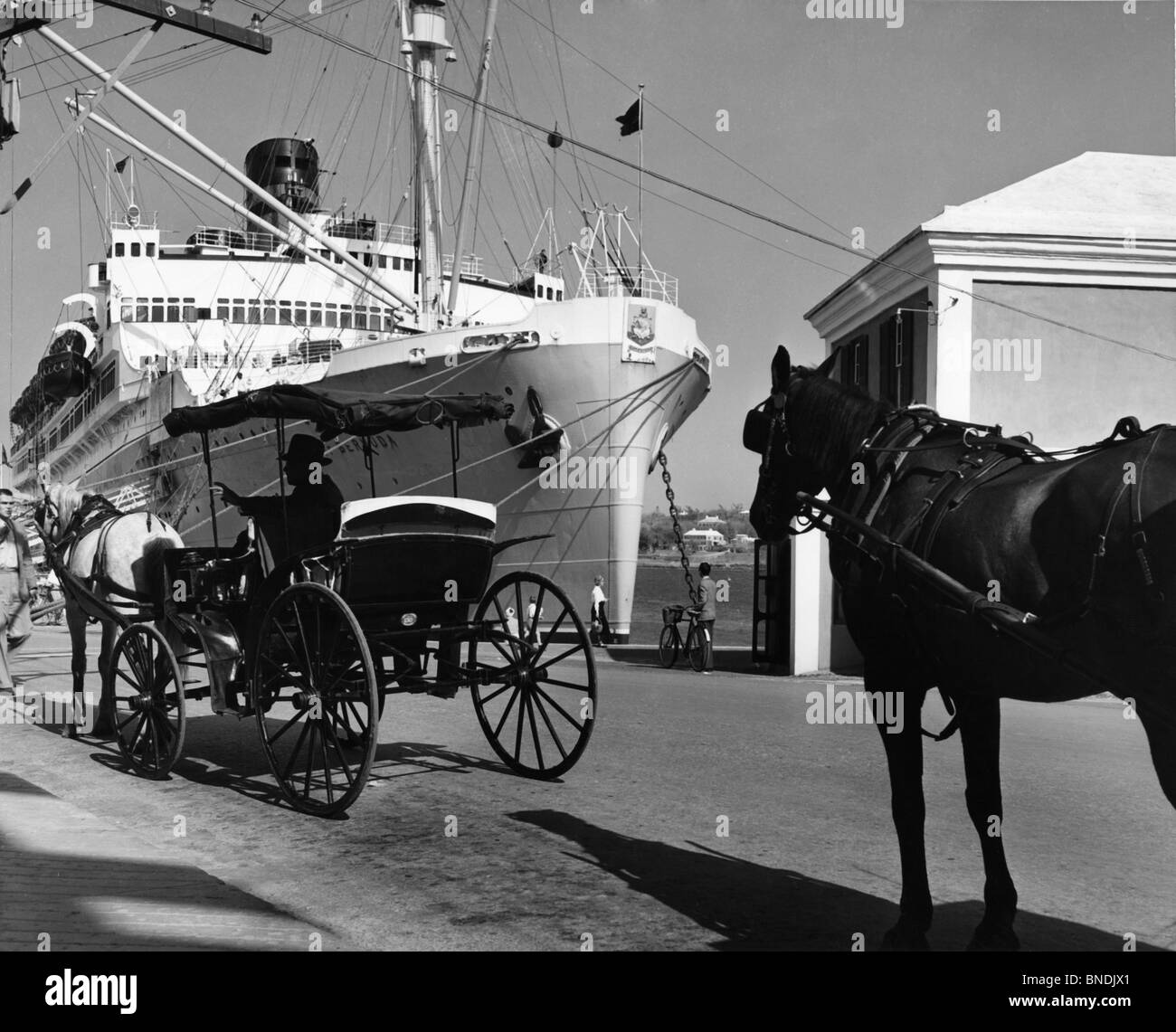 Horse Cart In Front Of A Cruise Ship SS Queen Of Bermuda Stock - Queen of bermuda cruise ship