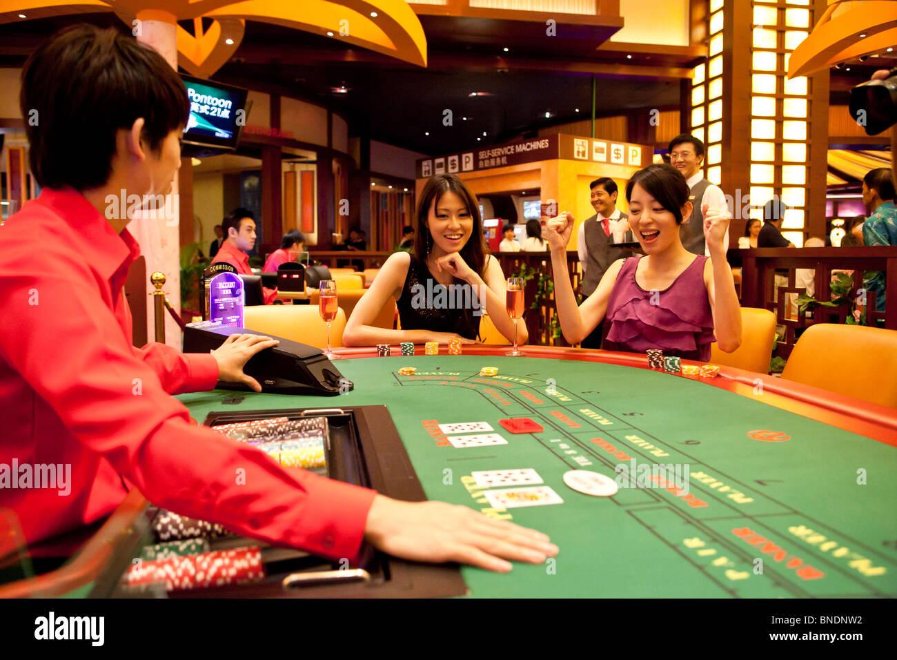 Техасский покер в казино на сентозе легальные игровые автоматы в алматы