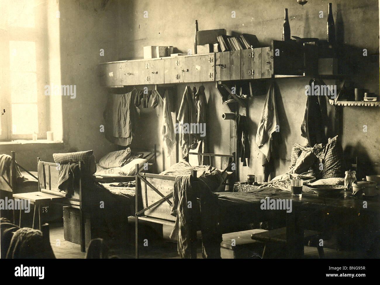 Bed And Living Room For Officers At WW Prisoner Of War Camp Stock - Living room war