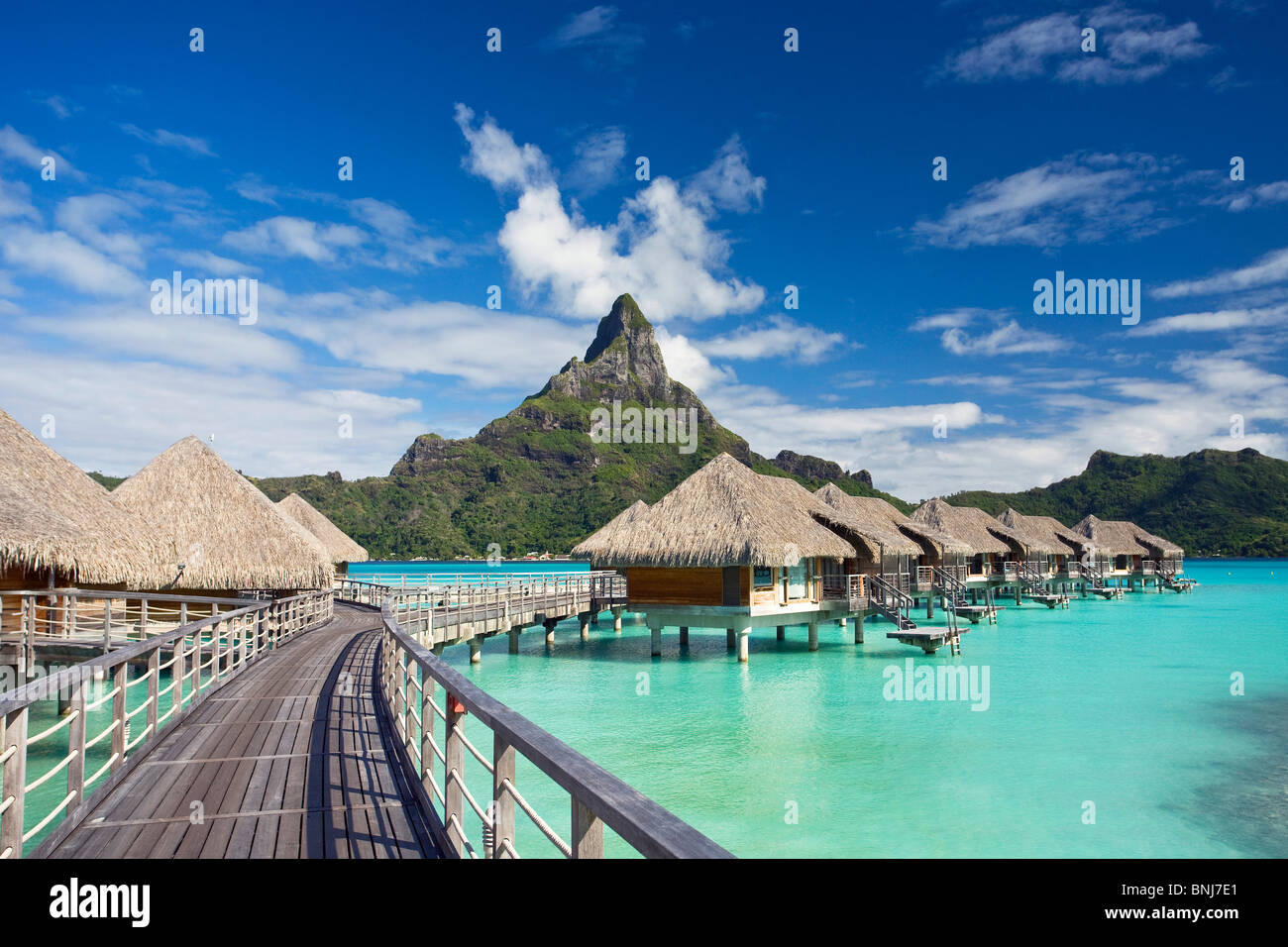 Tahiti society islands society islands bora bora island for What to buy in bora bora