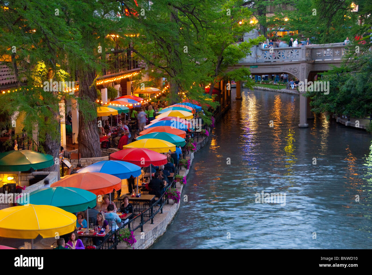Outdoor dining furniture center and casual shop waco texas for Dining near at t center san antonio