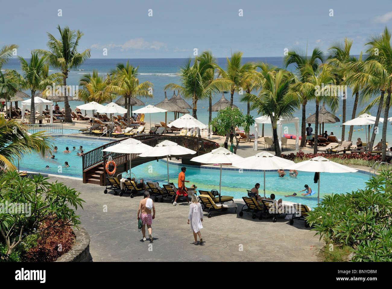 Le meridien ile maurice island of mauritius swimming pool for Swimming pool mauritius