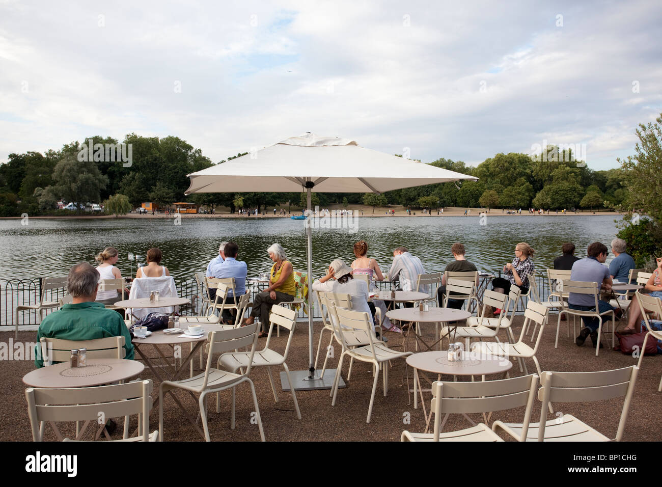The Lido Café Bar Serpentine Hyde Park The Royal Parks London England United Kingdom. PhotoJeff Gilbert : canopy hyde park - memphite.com