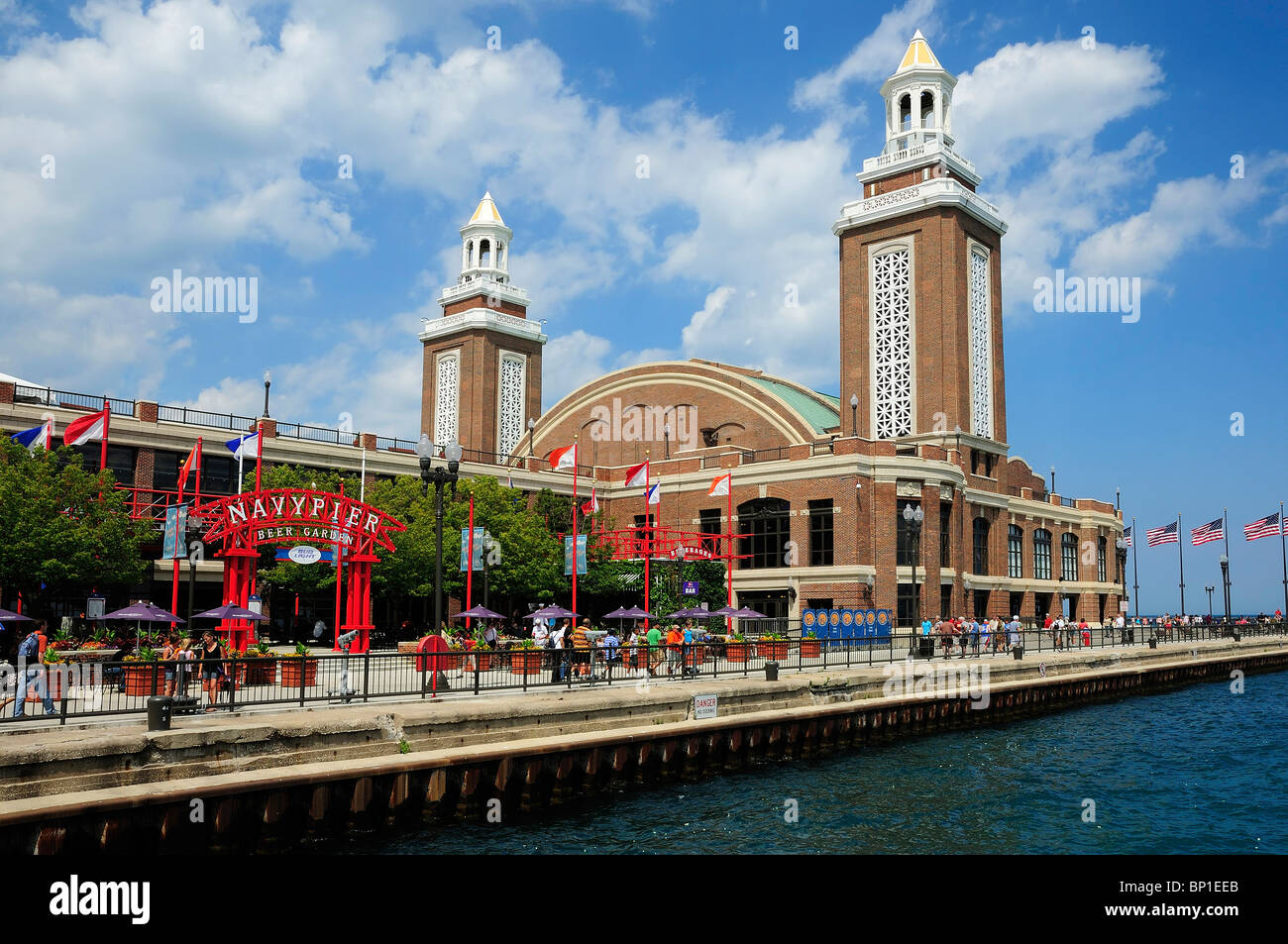 View Of Exhibition / Convention Hall At The Historic Navy Pier In Chicago. Beer  Garden