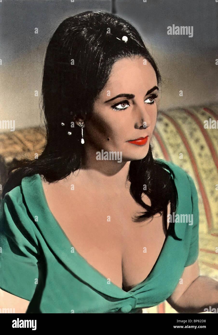 ELIZABETH TAYLOR REFLECTIONS IN A GOLDEN EYE (1967 Stock Photo ...