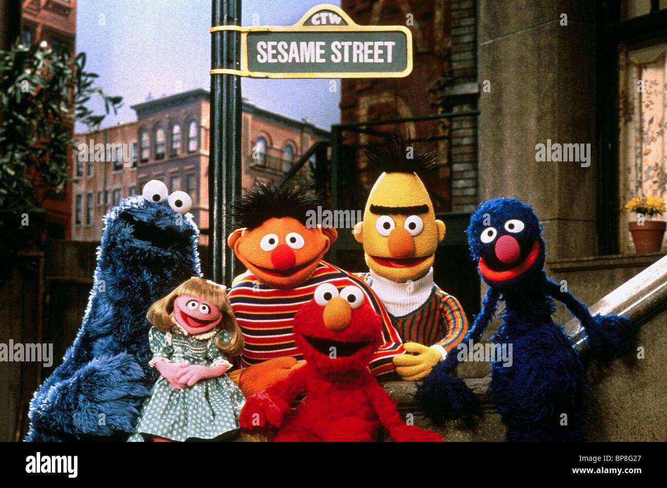 COOKIE MONSTER ERNIE ELMO BERT  GROVER SESAME STREET 1969 Stock