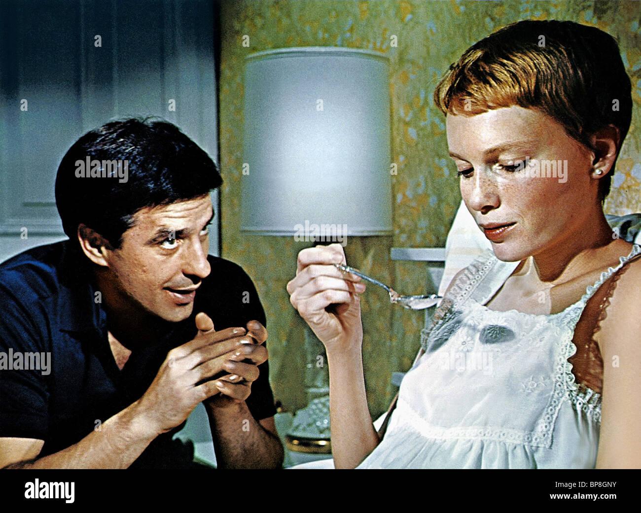 john cassavetes amp mia farrow rosemarys baby 1968 stock