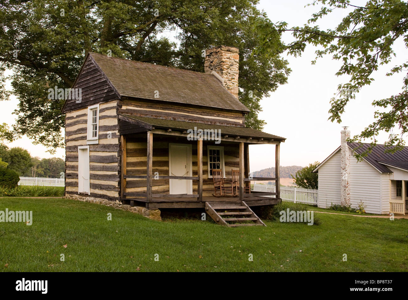 69 traditional american farmhouse elegant old american for Traditional log cabin plans