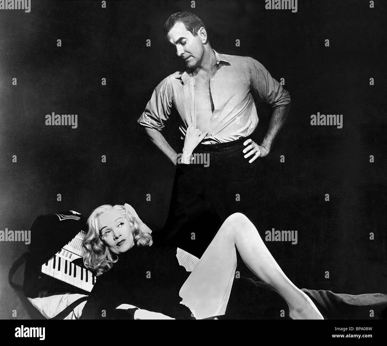 http://c8.alamy.com/comp/BPA08W/marlene-dietrich-tyrone-power-witness-for-the-prosecution-1957-BPA08W.jpg