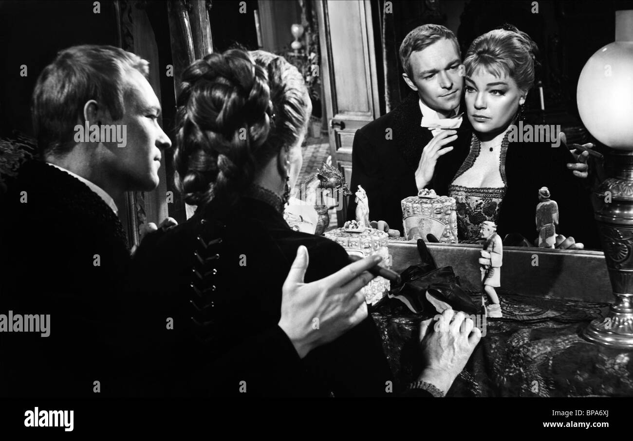 PIERRE VANECK & SIMONE SIGNORET FAMOUS LOVE AFFAIRS; AMOURS CELEBRES Stock Photo, Royalty Free