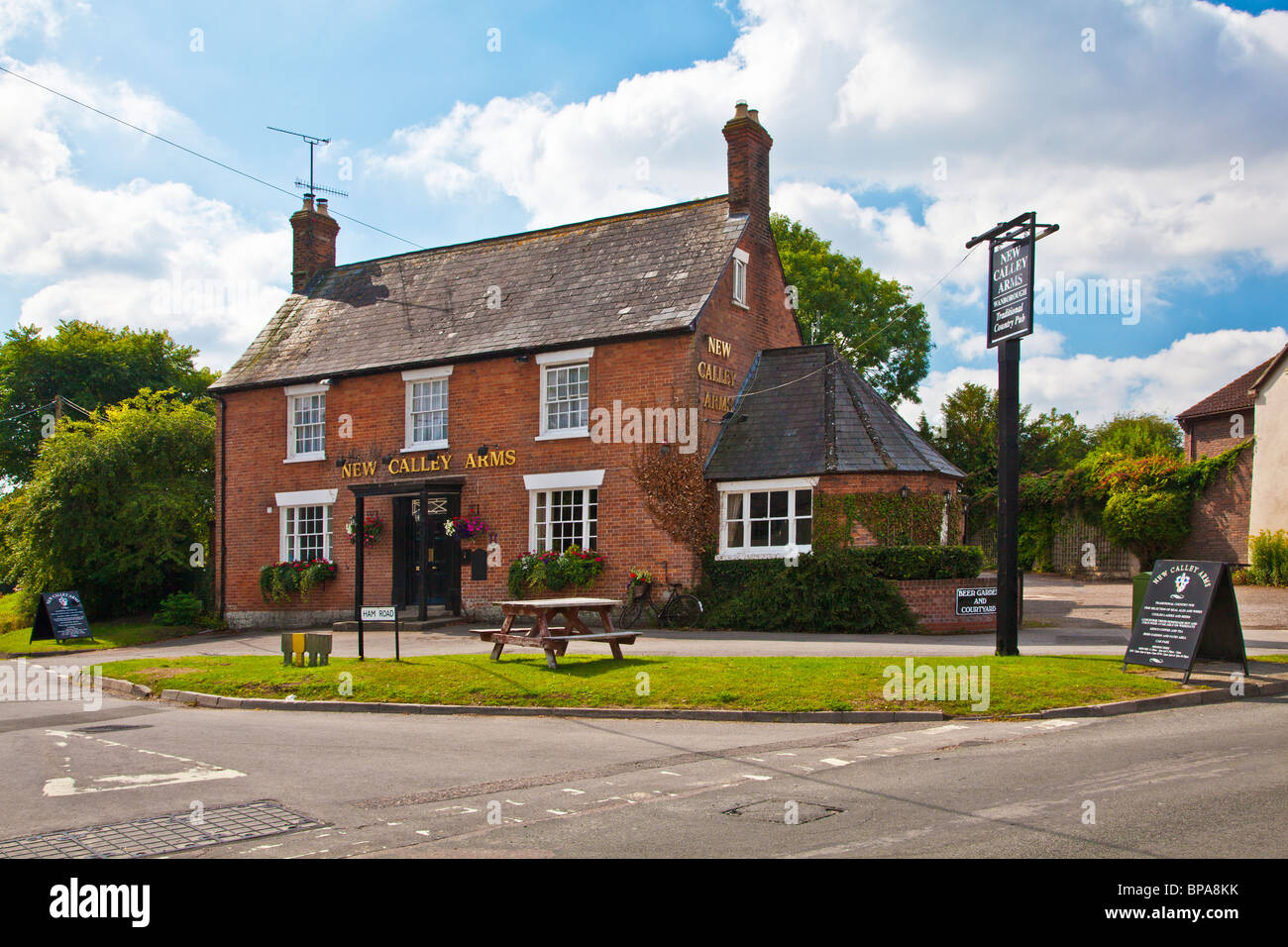 the new calley arms pub a typical village inn in wanborough stock photo royalty free image. Black Bedroom Furniture Sets. Home Design Ideas