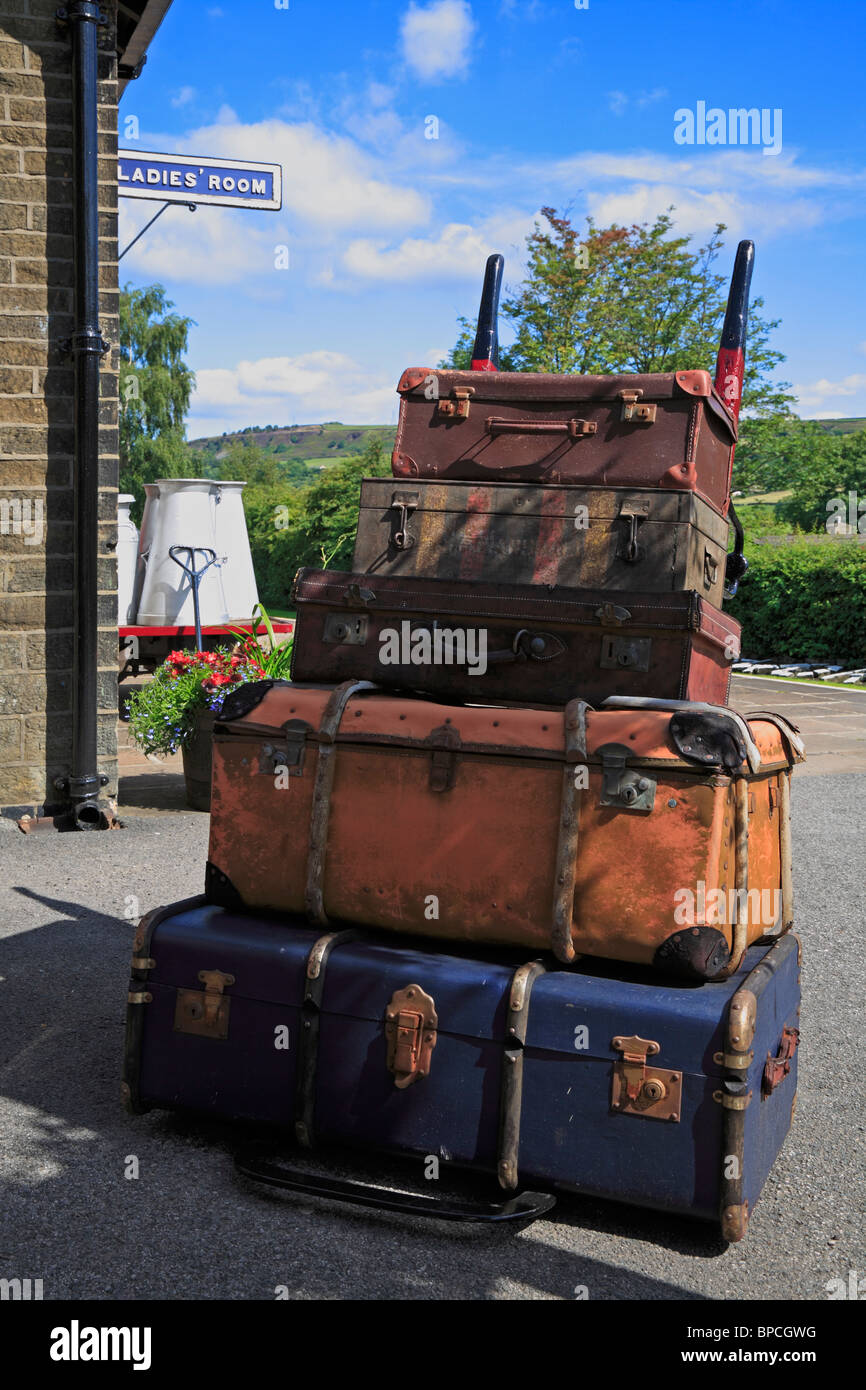 Old Suitcases Old Suitcases Stock Photos Old Suitcases Stock Images Alamy