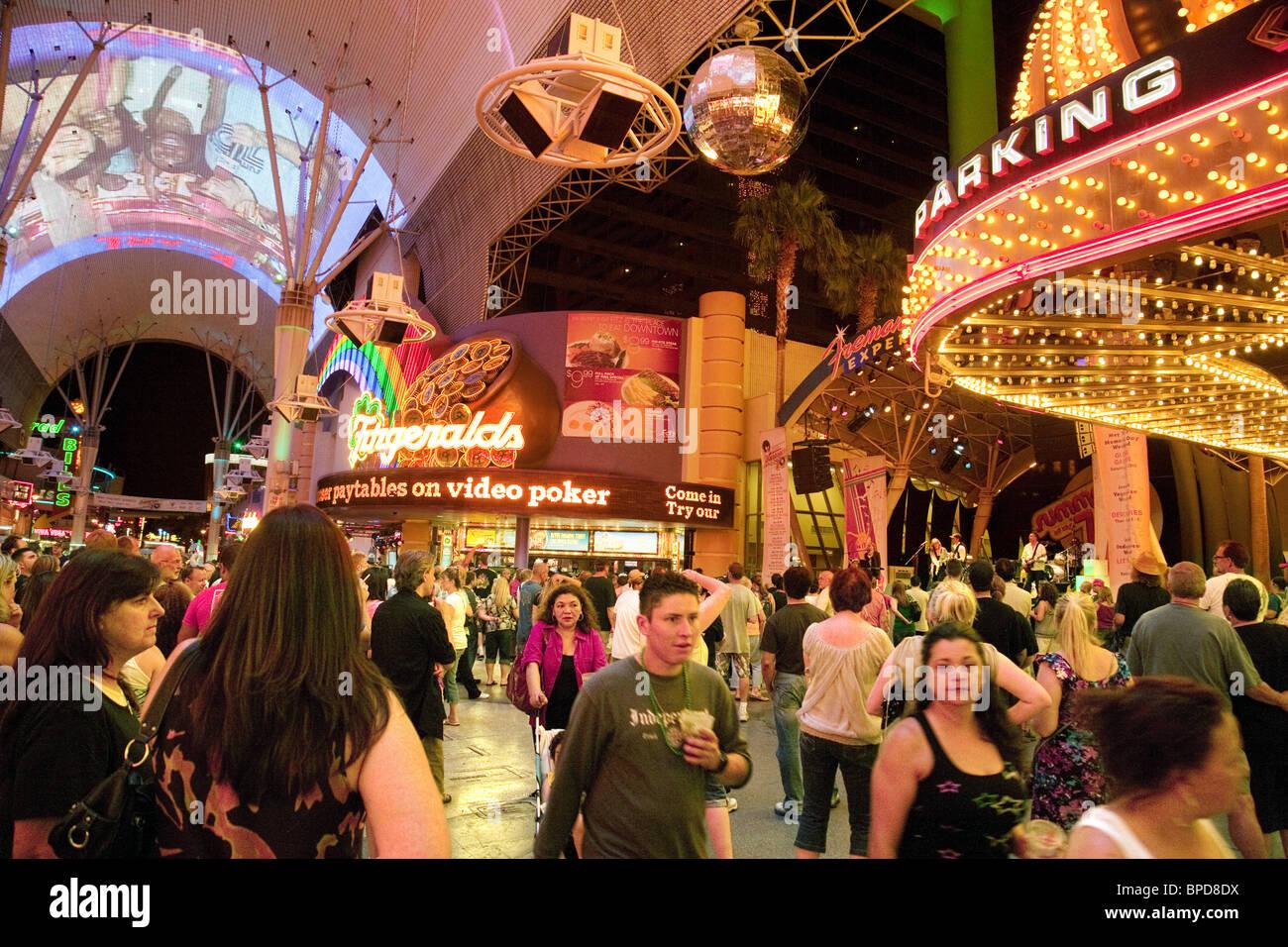 las vegas nightlife related keywords las vegas nightlife