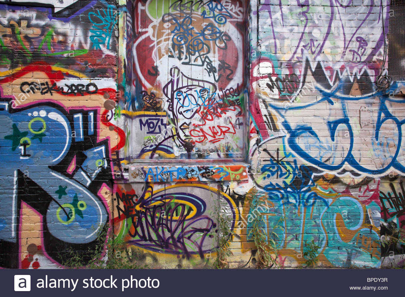 Graffiti wall toronto downtown -  Graffiti On A Wall And Door In A Back Alley Of The Fashion District Near Queen