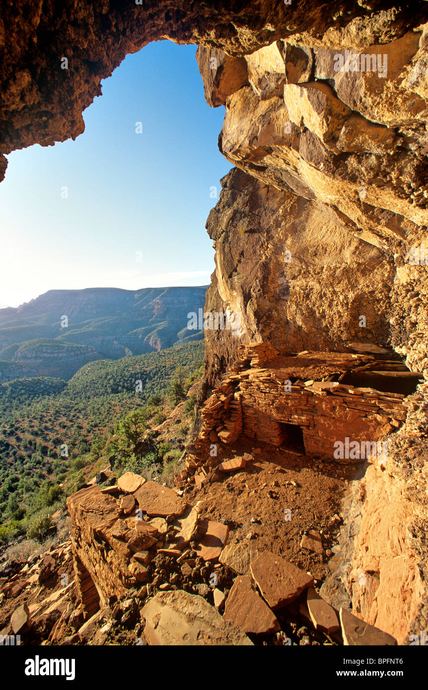 Ancient Indian Cliff Dwelling Pueblo In Sycamore Canyon