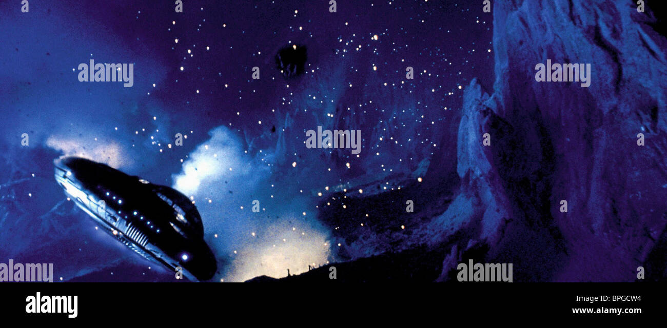 SPACESHIP CRASH SCENE LOST IN SPACE (1998 Stock Photo ...