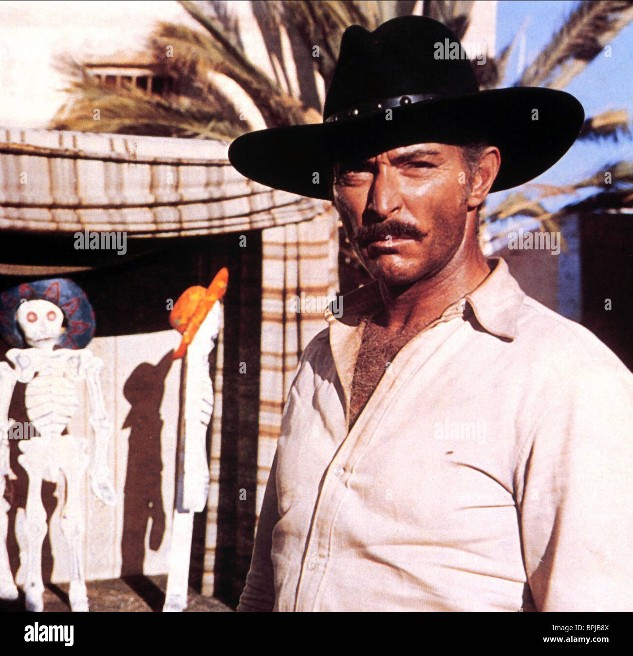 LEE VAN CLEEF THE BIG GUNDOWN (1966 Stock Photo, Royalty Free ...