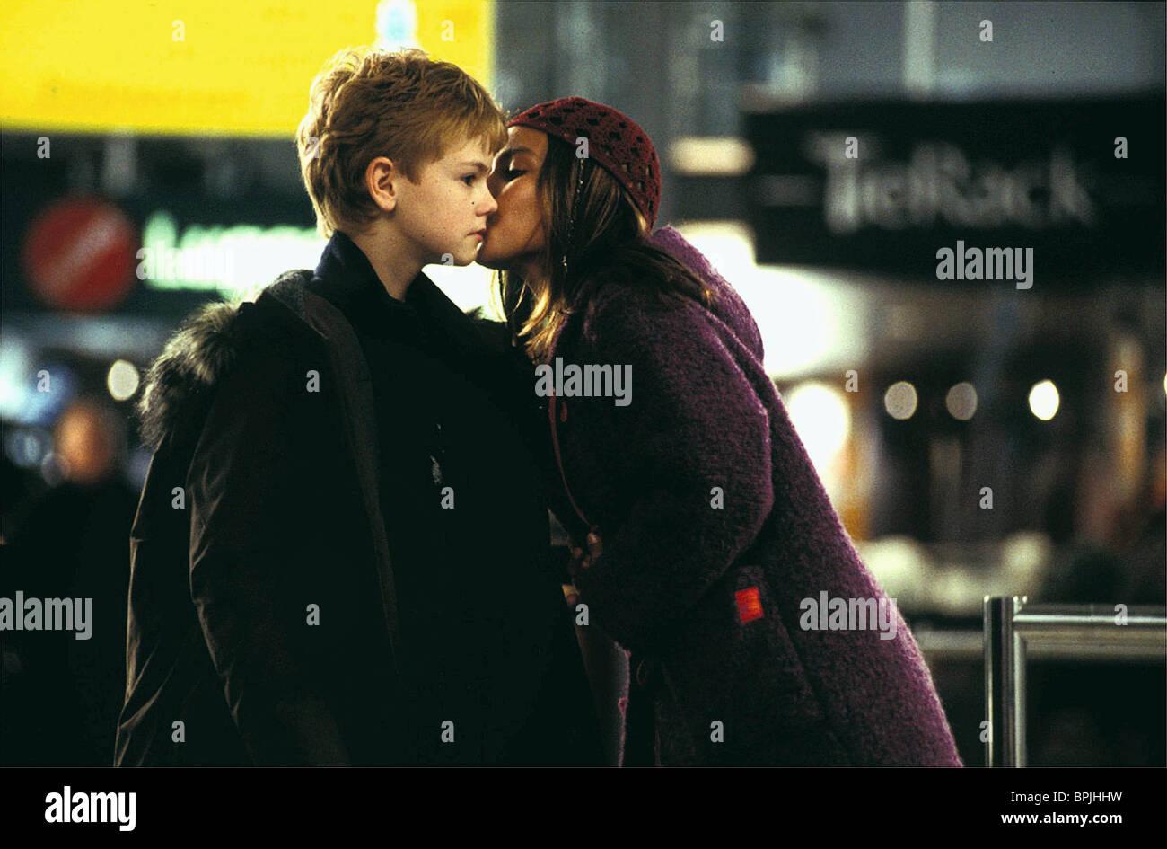 THOMAS SANGSTER & LULU POPPLEWELL LOVE ACTUALLY (2003 ...