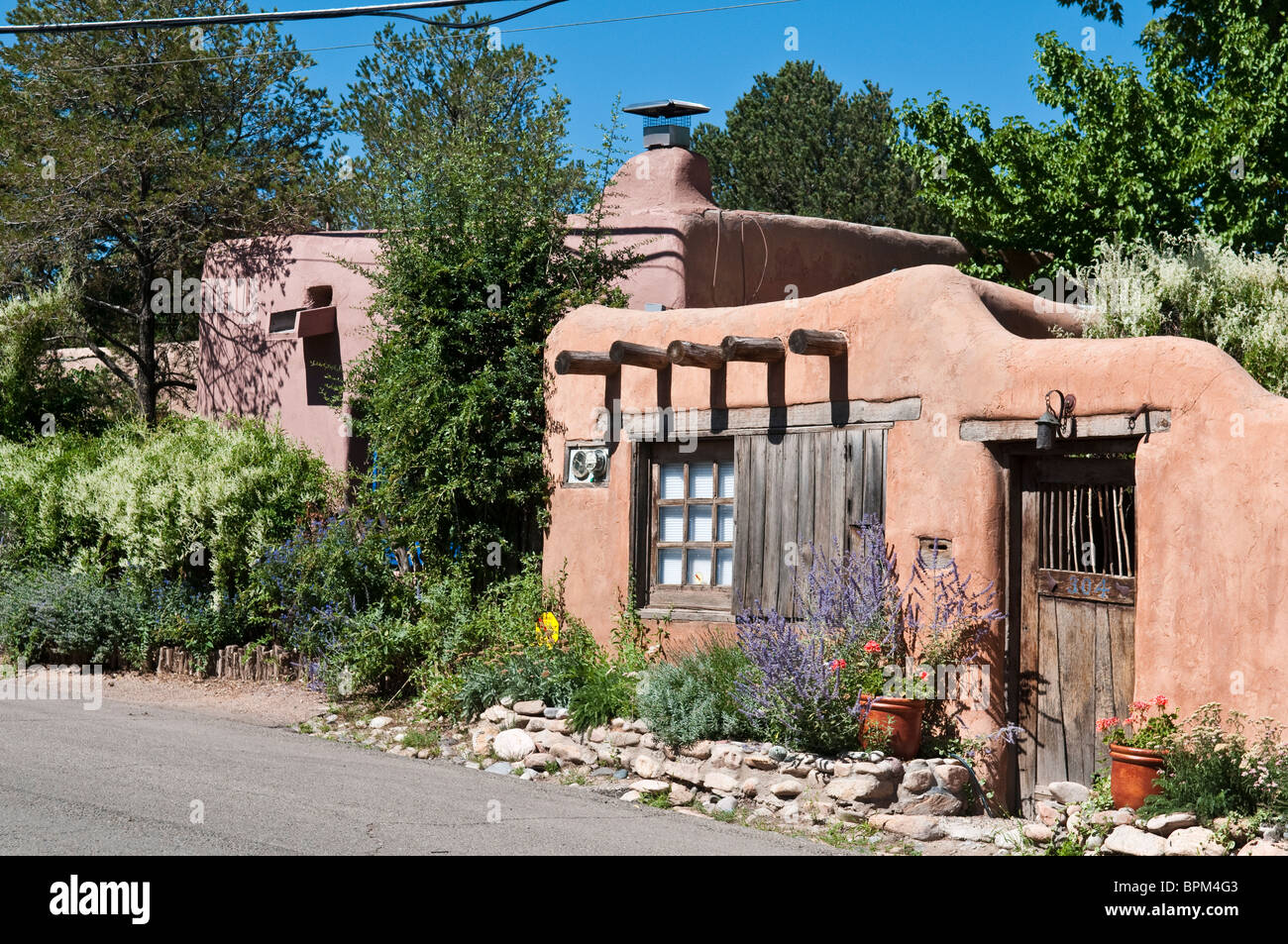 Old adobe house in santa fe new mexico on canyon road for Santa fe home