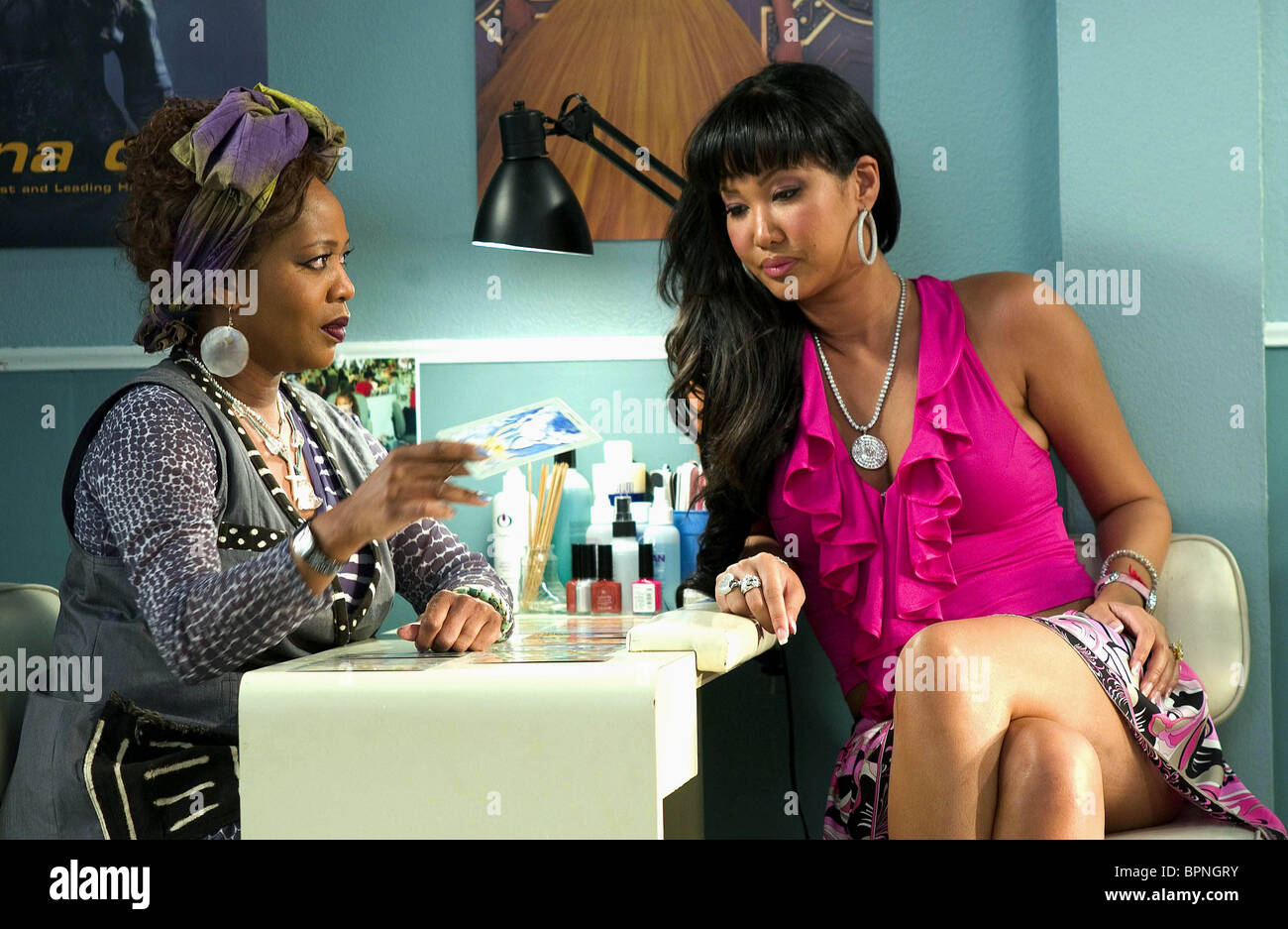 ALFRE WOODARD KIMORA LEE BEAUTY SHOP 2005