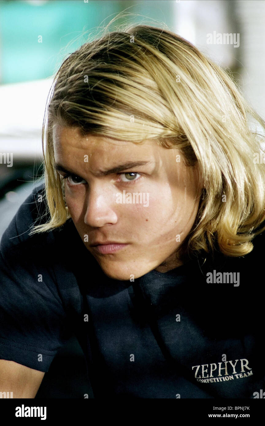 EMILE HIRSCH LORDS OF DOGTOWN (2005 Stock Photo, Royalty ...