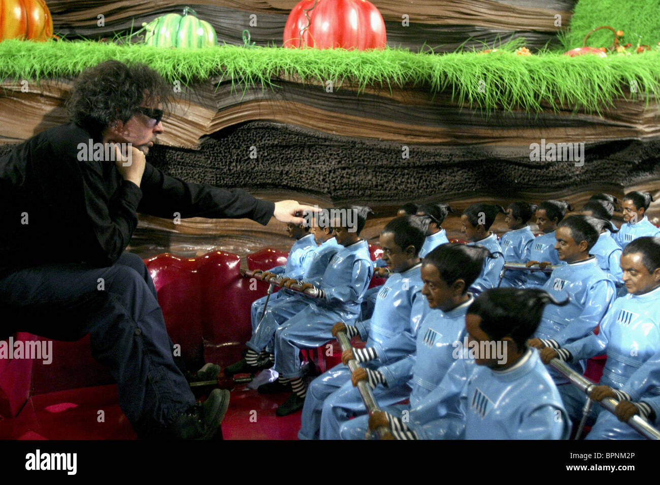TIM BURTON & OOMPA-LOOMPAS CHARLIE AND THE CHOCOLATE FACTORY (2005 ...