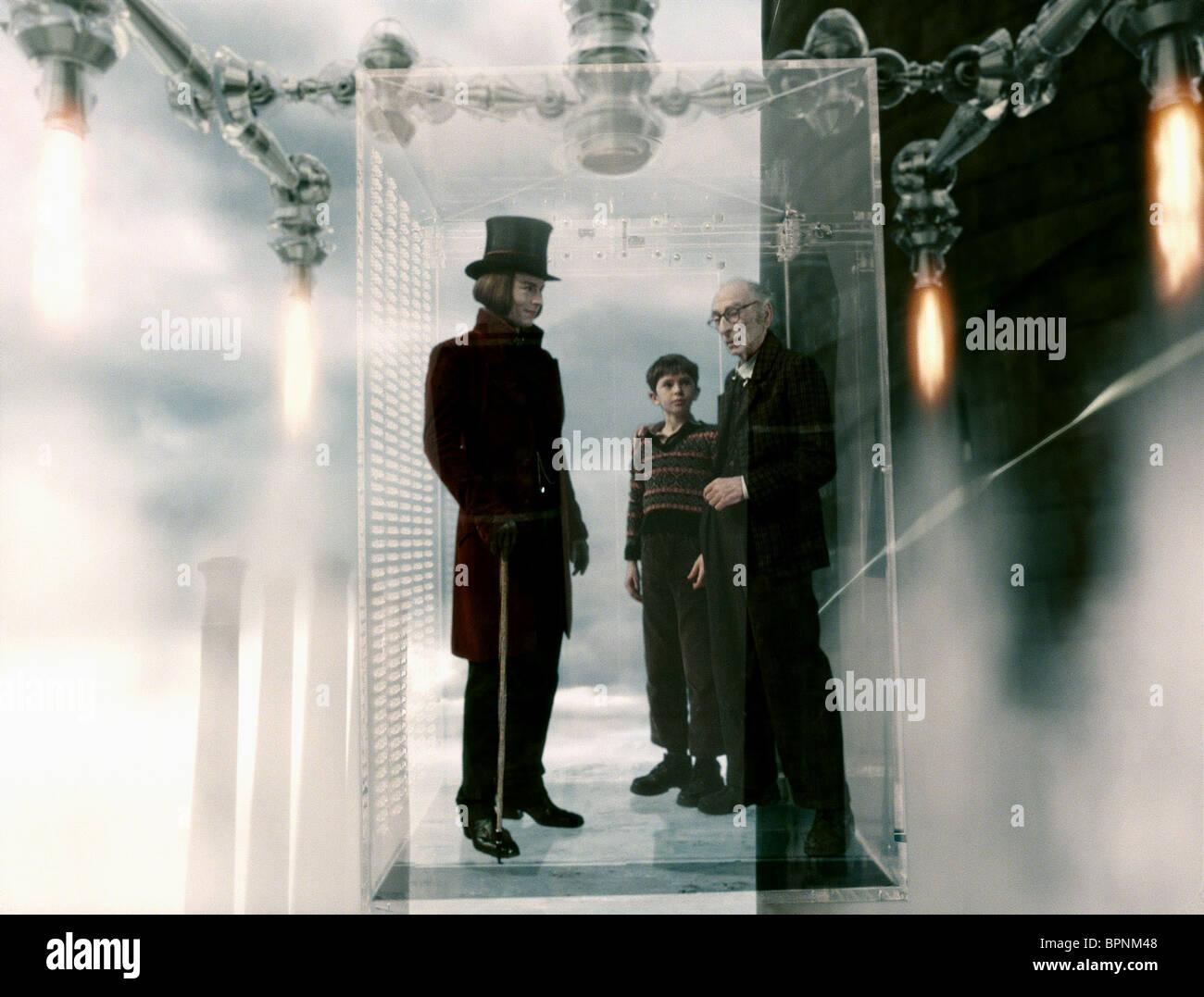 JOHNNY DEPP FREDDIE HIGHMORE & DAVID KELLY IN THE GLASS ELEVATOR ...