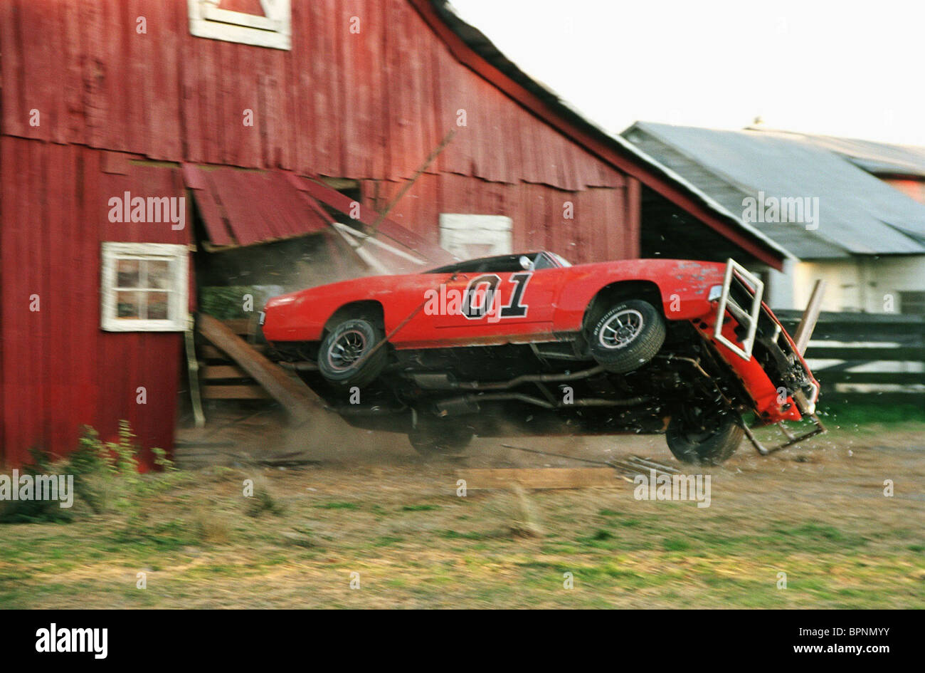 THE GENERAL LEE CRASHES THROUGH BARN THE DUKES OF HAZZARD ...  THE GENERAL LEE...