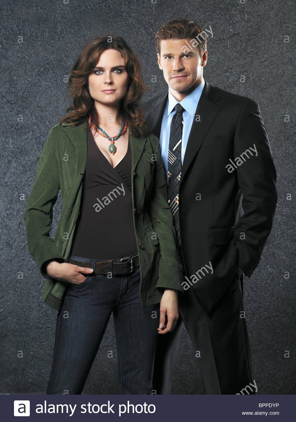 EMILY DESCHANEL & DAVID BOREANAZ BONES : SEASON 1 (2005 ...