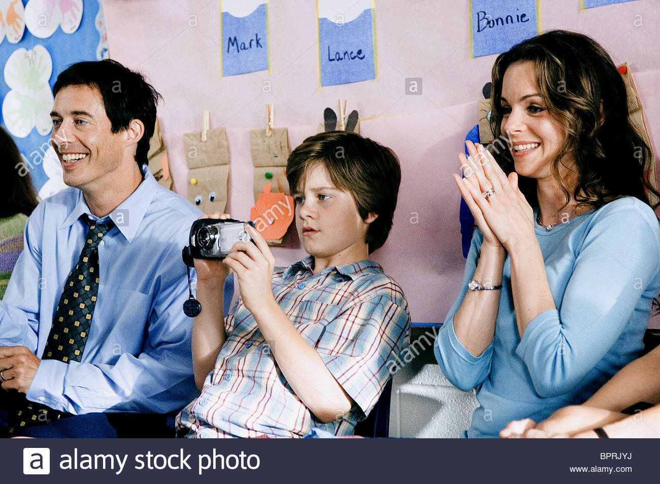 Thomas Cavanagh Luke Benward & Kimberly Williams How To Eat Fried Worms  (2006)