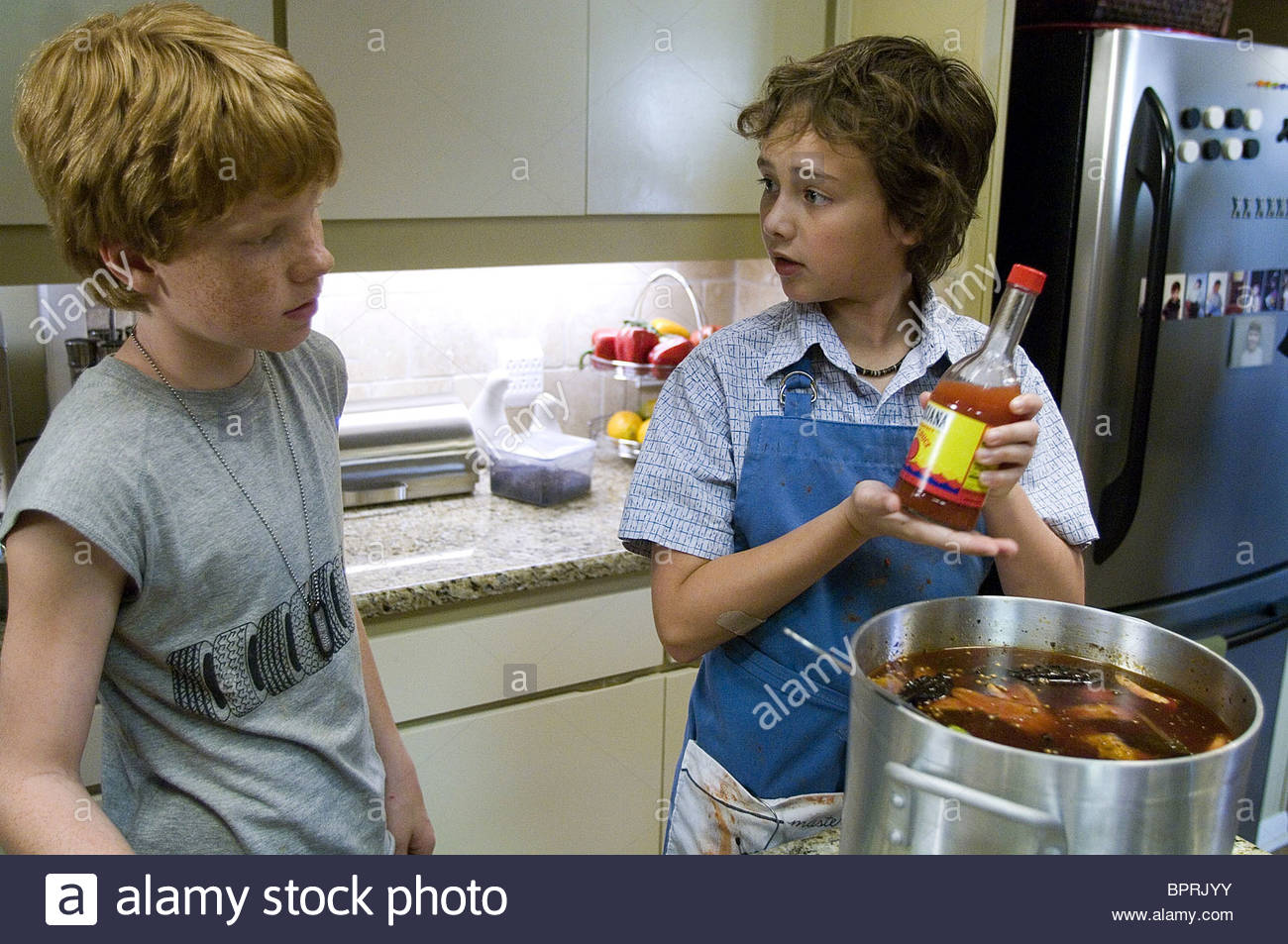 Adam Hicks & Ryan Malgarini How To Eat Fried Worms (2006)