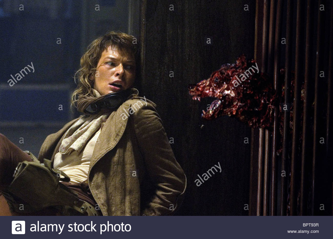 MILLA JOVOVICH RESIDEN... Milla Jovovich Resident Evil 3