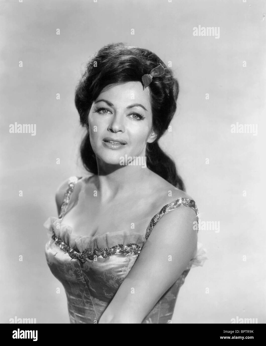 yvonne de carlo net worth