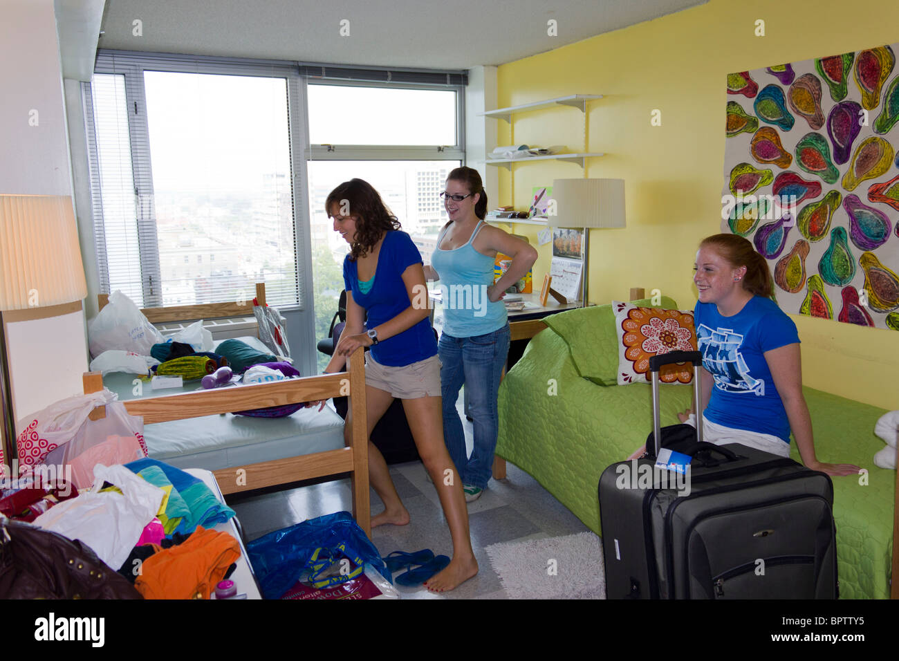 Students Moving Into Dorm Room, Hall Of Residence, Pennsylvania University,  Philadelphia, USA Part 68