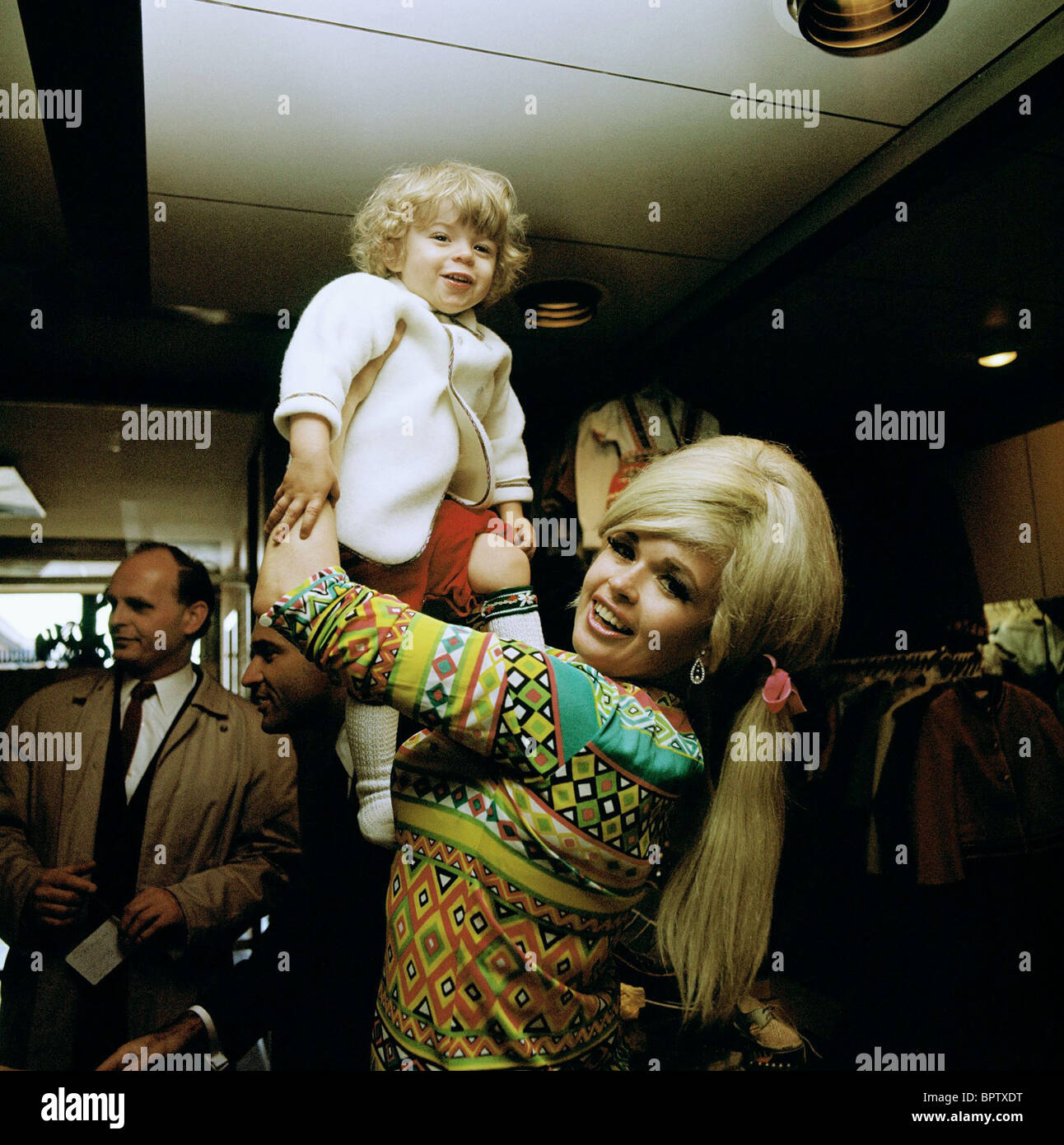 Jayne mansfield maria actress with daughter 1967 stock image