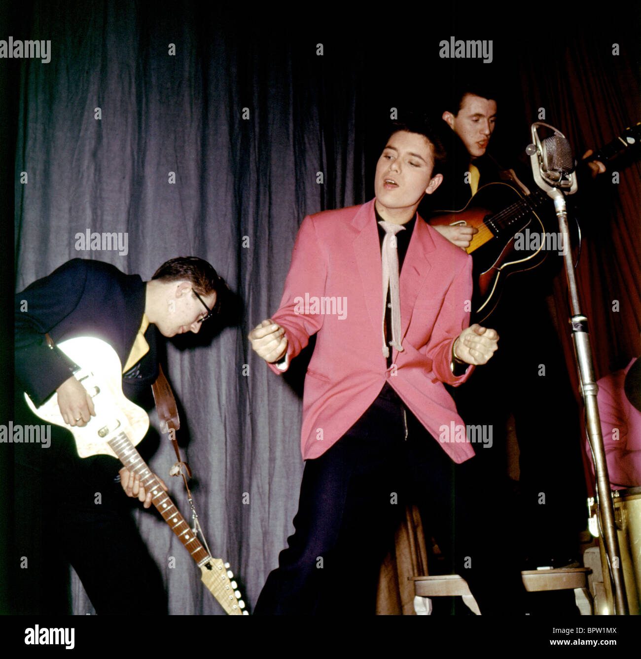 Bruce Welch: HANK MARVIN CLIFF RICHARD & BRUCE WELCH CLIFF RICHARD AND