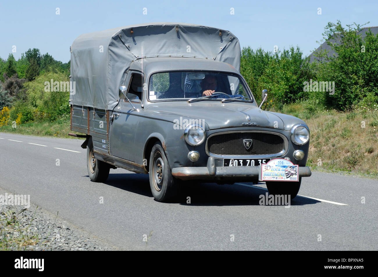 Souvent Peugeot 403 Pick-Up, 1966, in the Tour de Bretagne Classic car  PY28