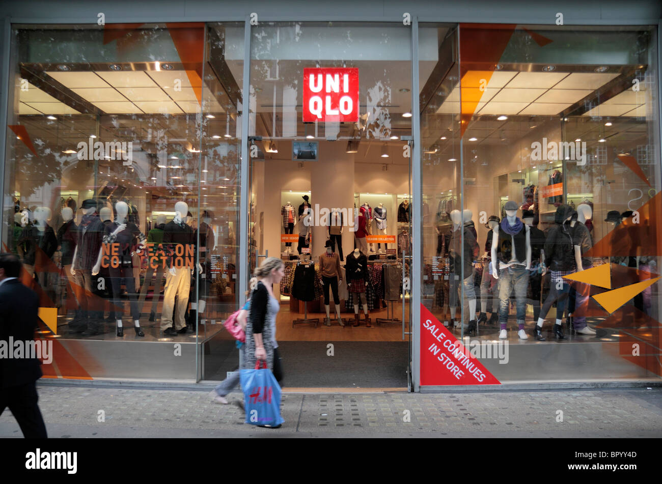 Street view of the UNIQLO store on Oxford Street, London, UK ...