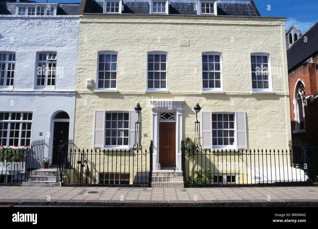 Victorian house with shutters images for Victorian traditional homes