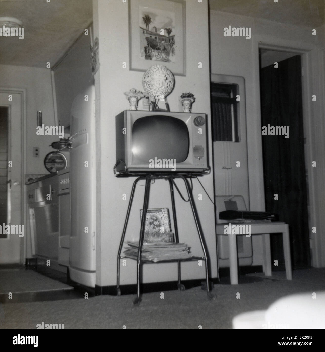 1960s tv family stock photos & 1960s tv family stock images - alamy